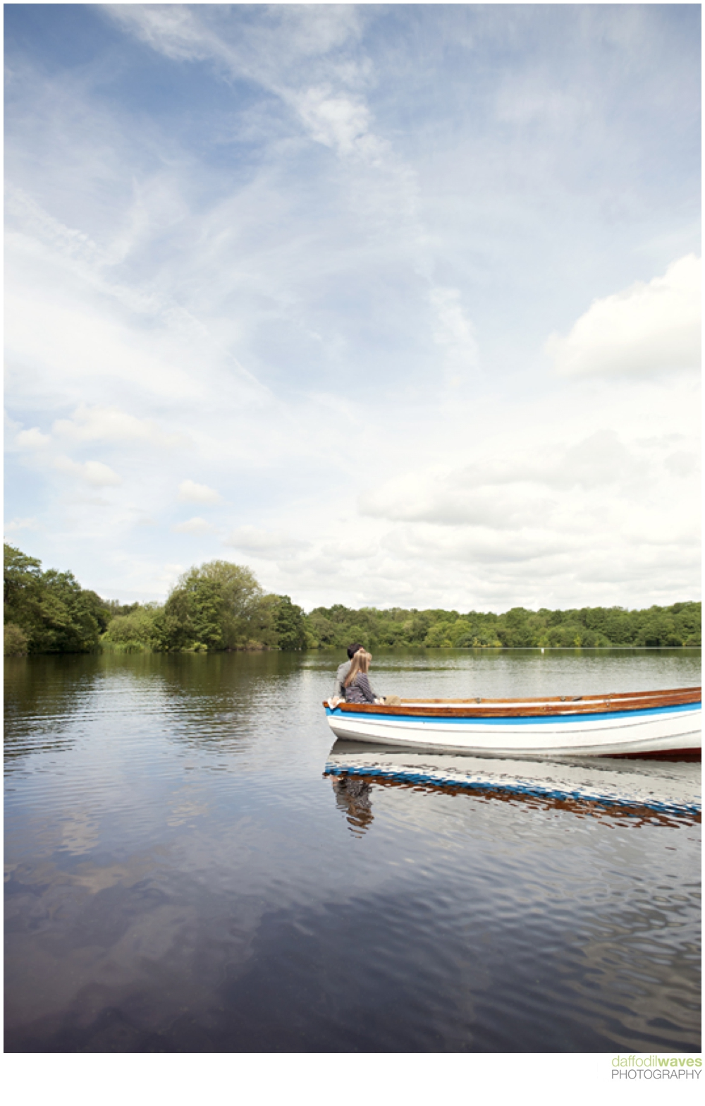 Rowing Boat Engagement Shoot Diana &amp; Omar Daffodil Waves Photography