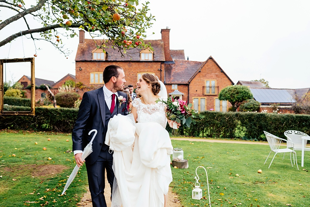 An amazing Bordesley Park Wedding – Hannah and Mike