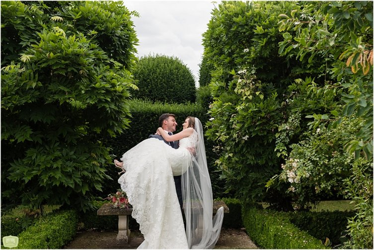 Birtsmorton-Court-Wedding-Summer-Wedding-Daffodil-Waves-Photography-044.jpg